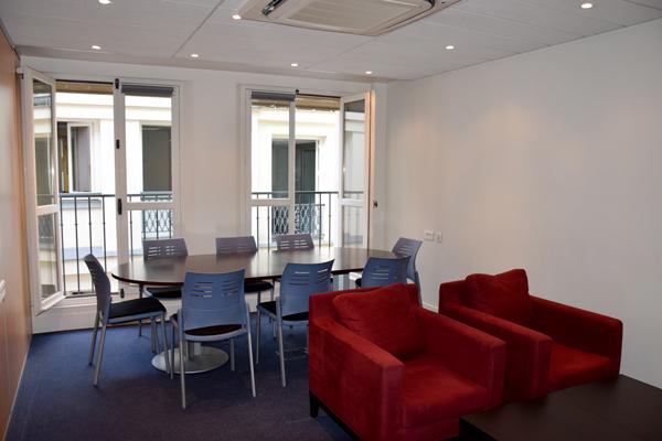 Salle de réunion 8 personnes Centre d'affaires des Avocats de Paris