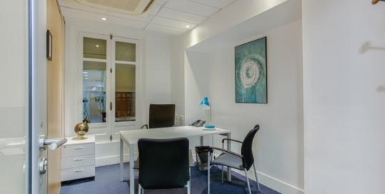 location bureau accueil client paris avocats